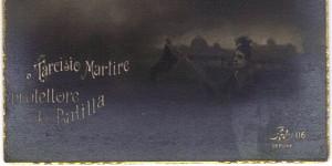 La figura del Balilla aggiunta all'immagine di San Tarcisio
