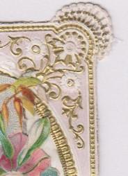 L'immagine è stampata sulla carta pressata a rilievo.