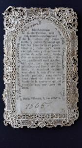 Sul verso è stampata la preghiera, oltre alla firma dell'editore Villemur.
