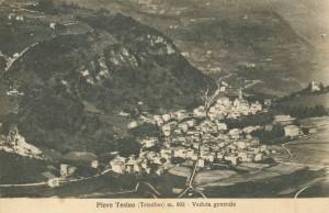 Vecchia cartolina. Panorama di Pieve Tesino.
