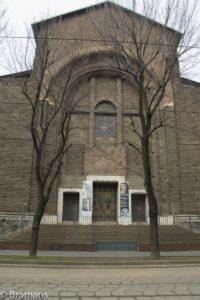 La facciata della chiesa come appare oggi (foto tratta dal web)